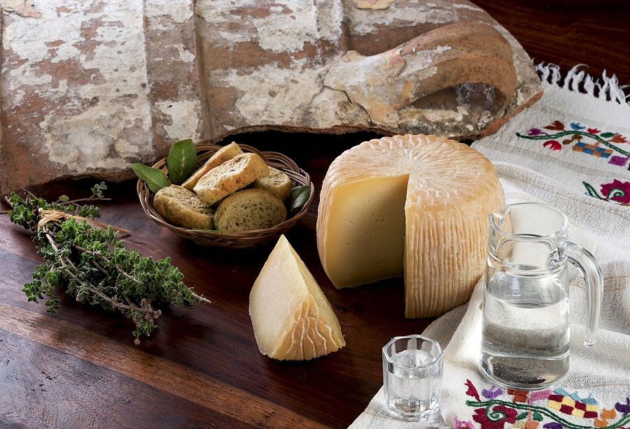 Graviera_Cretan_Cheese